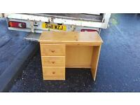 Solid pine wood desk in excellent condition £30 delivered