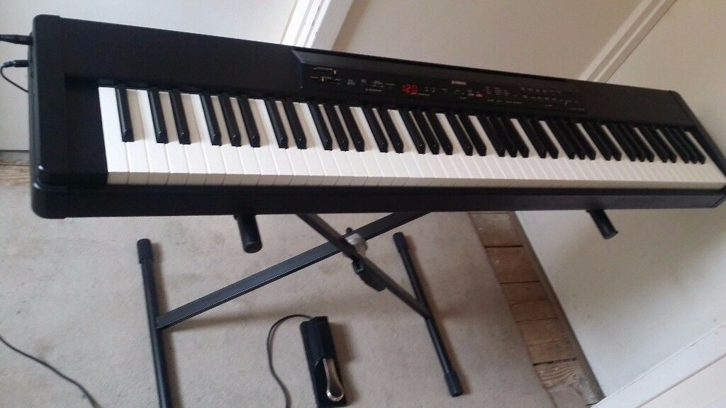 yamaha p 80 portable digital stage piano keyboard with 88 weighted keys in addlestone surrey. Black Bedroom Furniture Sets. Home Design Ideas