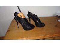 Nine West Shoes size 5
