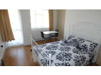 Lovely Double Room w Private Balcony / Westferry / All Bills Inc / Available 28th September !!