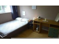 **ZONE 1** VAUXHALL ** DOUBLE ROOM FOR YOU AND YOUR LOVER (OR FRIEND)