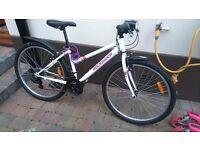 Ladies/teenagers bike 24 inch wheels.
