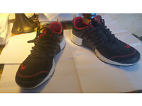 Nike Air Prestos Size 9uk eu44. Red/black