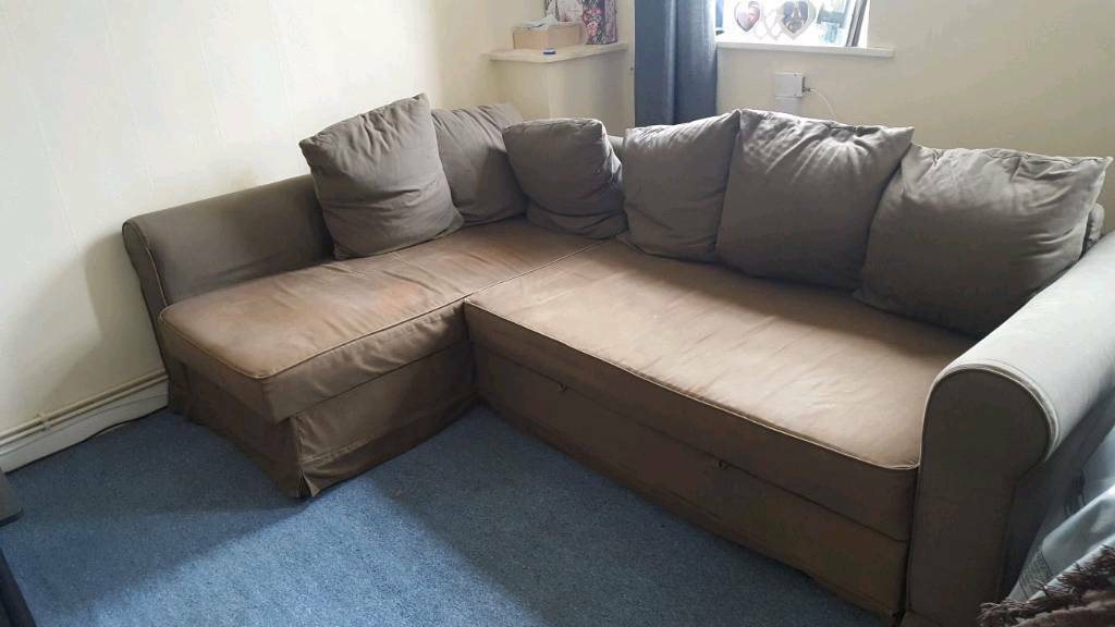 Corner sofa bedin Reigate, SurreyGumtree - Corner sofa bed. Wear and tear e.g. stains and colour fading. Throws will sort it out. Good for new home starter. Will need van but will fit in people carrier
