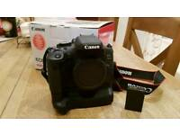 Canon 750D ( extra battery grip)