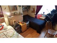 Cosy Double Room With Wi-Fi Available Tomorrow for 1 Or 2 People, All Bills Included, Zone 2