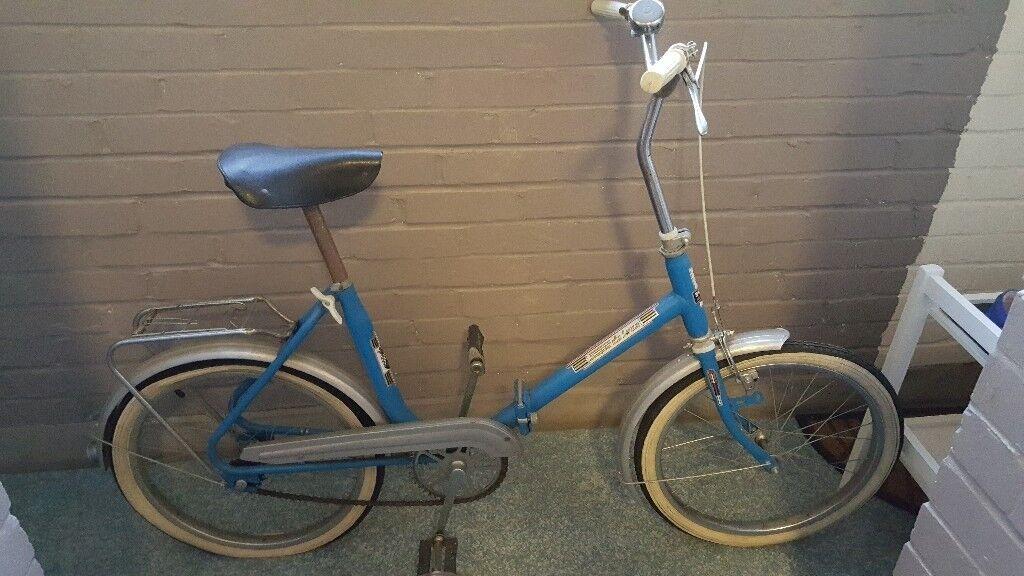Folding shopper commuter or school bike.