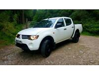 NO VAT 2008 l200 double cab 2.5 turbo diesel 4x4 60,000 miles full franchised service