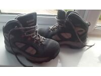 Hi-Tec waterproof walking/hiking boots size 1-2