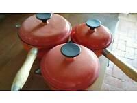 Case iron pan set