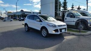 2016 Ford Escape Titanium - 4WD **PANORAMIC ROOF & NAVIGATION**