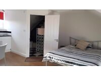 Self contained studio for short term let - Suit Professional or Contractor all bills included
