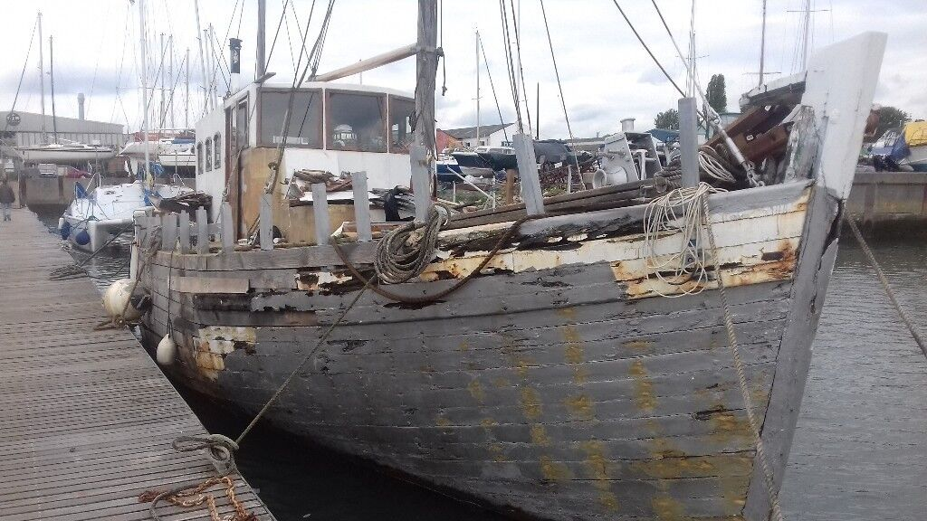 Live Aboard Wooden 50 Ft Mfv Project 2 Usable Cabins Long Term And Reasonable Mooring In Southampton Hampshire Gumtree