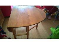 Solid oak extendable table GRAB a bargain!! £10