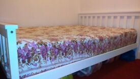 Double room in a clean house (includes all bills & option of vegetarian food)