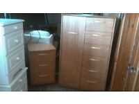 Bedroom furniture set vgc, good quality, local delivery possible