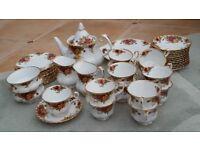 Royal Albert 'Old country roses' tea set.