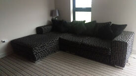 Extra Large Corner sofa and one single Chair : Excellent Condation
