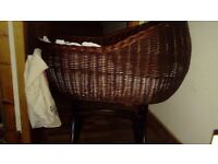 Wicker rocker cradle/moses basket