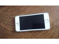 white iphone 5s, still brand new. dropped on all of sudden wont come on. UNLOCKED TO 02 ONLY