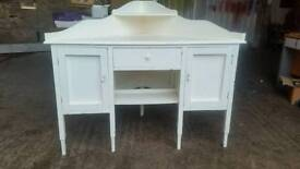 Solid Wood Painted in White Corner Unit