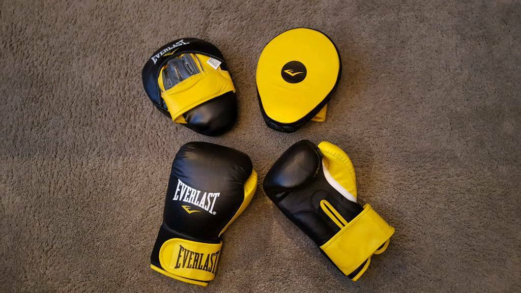 Everlast women's boxing gloves and pads