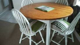 Shabby c dining table and chairs