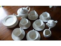 "Fantastic ""Villaa Italia"" porcelain 6-piece coffee/tea set!"
