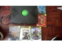 Xbox original with 5 games no controllers working good condition
