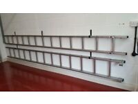 Stephens & Carter 2-section, Heavy Duty, Extending Ladder. In very good condition.