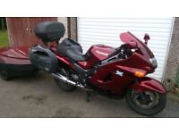 KAWASAKI ZZR1100 D7 1999 SERVICE HISTORY WITH ORIGINAL SERVICE BOOK MOTED APRIL 2018.