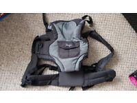 Snugli baby carrier/sling. Unused 15£