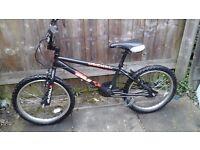 BOYS BIKE / BOYS 20 INCH WHEEL BMX BIKE
