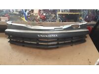 2007 VAUXHALL OPEL ASTRA FRONT BONNET OR BUMPER GRILL DIESEL OR PETROL LUTON £40