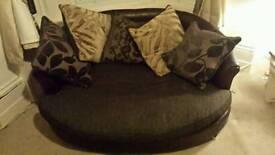 2 couches 3 seater +round cuddler