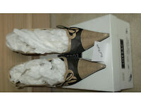 ladies designer shoes 38.5 - beige & black