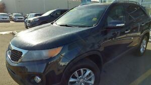 2012 Kia Sorento LX - FWD SUV! HEATED SEATS! WINTER IS COMING!