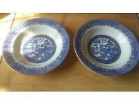 2 willow pattern barratt of staffordshire bowls
