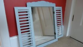 Mirror with hinges, suitable for bedroom