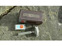 Ever ready vintage razor in bakelite box with spare paper-wrapped blade