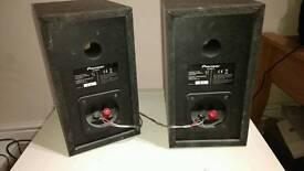 Pioneer bookshelf speakers (pair)