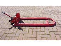 Hydraulic mower lift