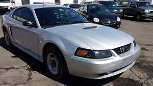 2000 Ford Mustang -