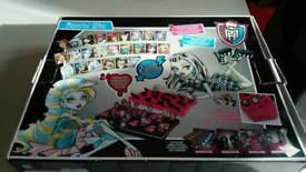 Monster high guess who game
