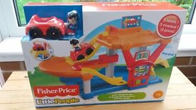 **New Boxed** Fisher Price Little People Rollin' Ramps Garage