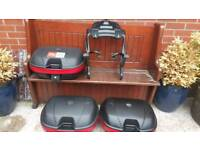 GIVI LUGGAGE SET £500 NO OFFERS. SUITABLE FOR MOST BIKES - GIVI LUGGAGE SET £500 NO OFFERS.