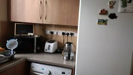 Double Room- 130 GBP per week, all bills included. Free WIFI