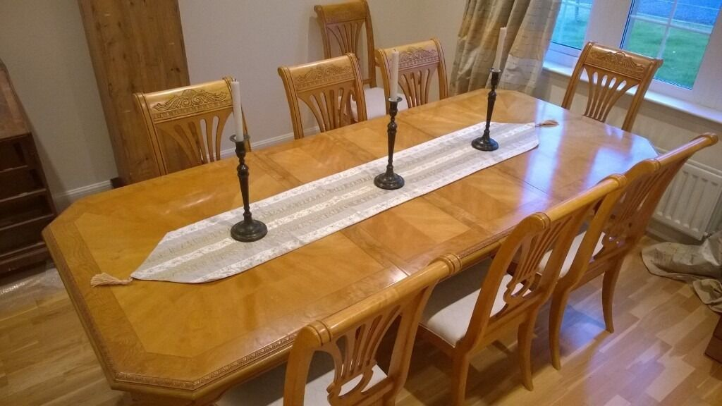 Beautiful Large Extending Ash Dining Room Table With Chairs
