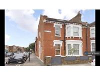 1 bedroom flat in Whittingstall Road, London, SW6 (1 bed)