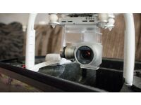 DJI Phantom 3 4K with extra battery, flight case in excellent condition..
